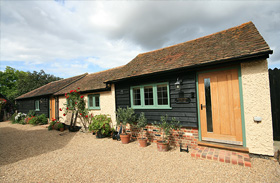 The Stables and Gardaner's Cottages - Luxury Cottages Canterbury